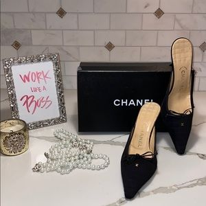 100% AUTHENTIC CHANEL BLK QUILTED W CC MULE HEELS